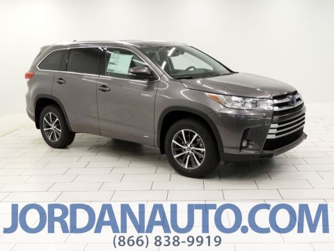 New 2018 Toyota Highlander Hybrid XLE With Navigation & AWD