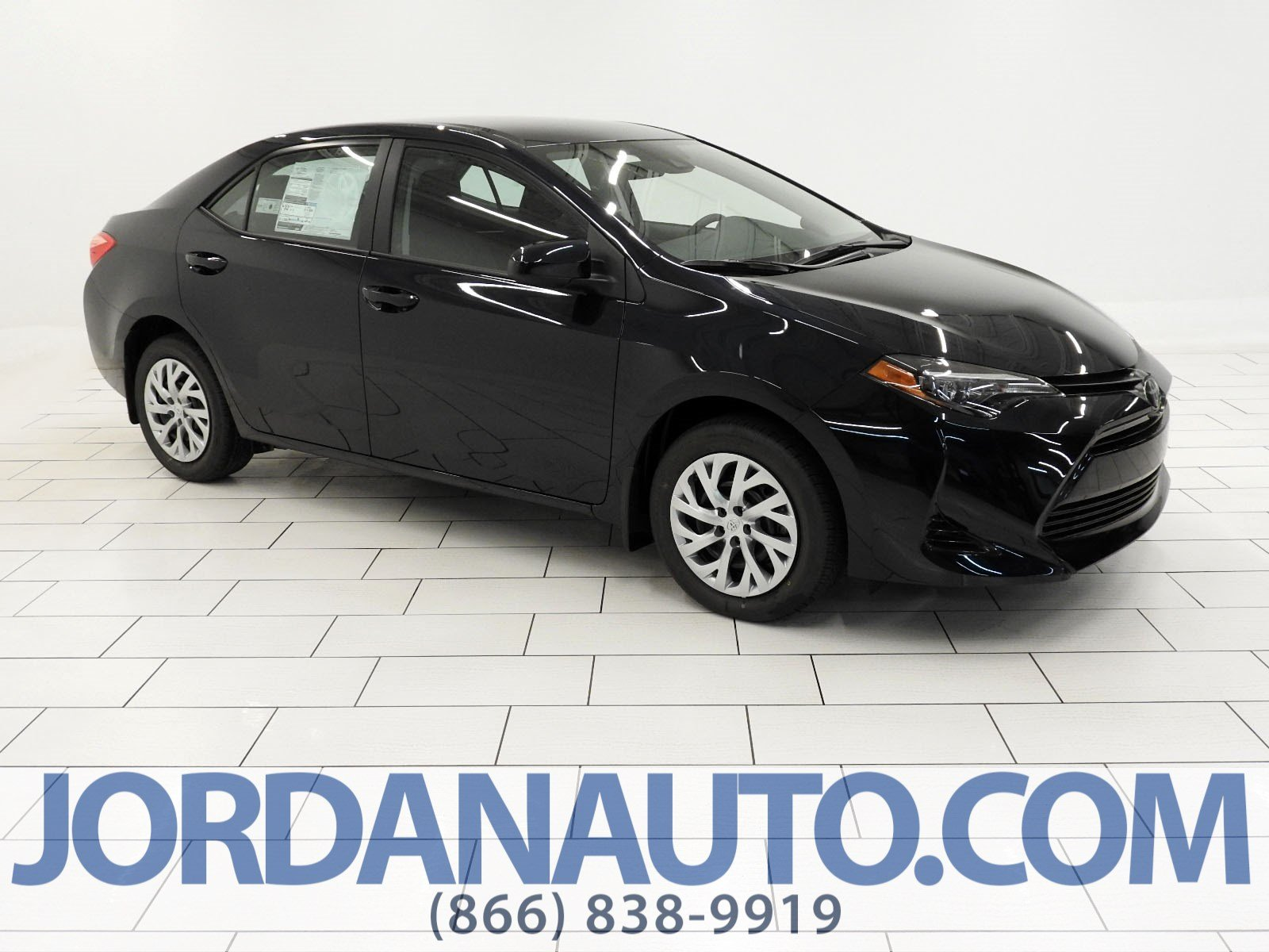 New 2019 Toyota Corolla LE 4dr Car in Mishawaka KC