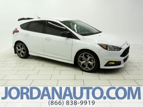 Pre-Owned 2018 Ford Focus ST